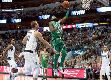 Kyrie Irving drops 47, Celtics beat Mavs for 16th straight win