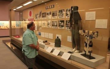 戦時中の生活用品など約230点を集めた企画展=長崎市歴史民俗資料館