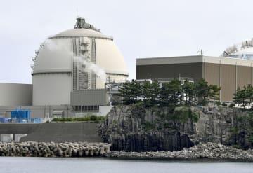 九州電力の玄海原発4号機=16日午前8時29分、佐賀県玄海町