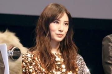 映画「パンク侍、斬られて候」の完成披露舞台あいさつに登場した北川景子さん