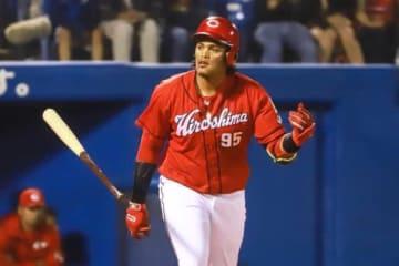 支配下昇格を勝ち取り、ここまで1軍で通算19本塁打を放っている広島・バティスタ【写真:Getty Images】