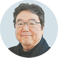 [すずき・こうじさん]建築家。61年仙台市生まれ。日大理工学部建築科卒、同大大学院修了。現在、鈴木弘人設計事務所代表取締役社長。日本建築家協会本部理事・副会長、東北支部長。東北大、仙台高専、宮城大で非常勤講師を務めた。仙台藩香道と料理、釣り、ゴルフ、旅行が趣味。仙台市青葉区在住。
