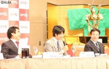 ISPSハンダマッチプレー選手権の会見でミケルソン問題に触れた石川遼(写真・中央)(撮影:ALBA)