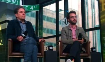左からクリストファー・ディロン・クィン監督と作家のジョナサン・サフラン・フォア