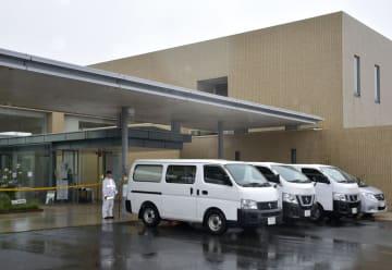 入浴施設内で男性が血を流して倒れていた「県民健康プラザ健康増進センター」=19日午後4時10分、鹿児島県鹿屋市