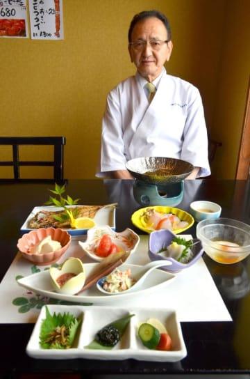 茨城県トップに輝いた二ツ島観光ホテルの朝食。「常磐もの平目のしゃぶしゃぶ」など新鮮な海の幸や山の幸が味わえる=北茨城市磯原町