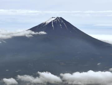 世界文化遺産登録から5年を迎えた富士山(共同通信社ヘリから)