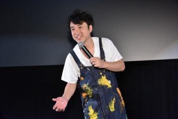 映画「50回目のファーストキス」の舞台あいさつに参加したムロツヨシさん
