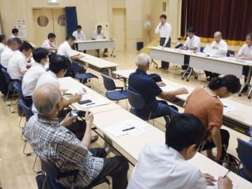 原子力規制委が開いた放射線監視装置撤去に関する住民説明会=25日午後、福島県只見町