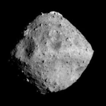 小惑星「りゅうぐう」(JAXA、東京大など提供)