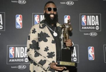 NBAの最優秀選手に輝いたロケッツのジェームズ・ハーデン=サンタモニカ(USA TODAY・ロイター=共同)
