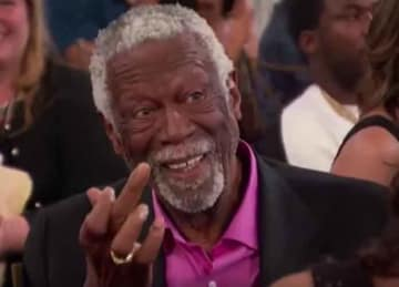 Bill Russell flips off Charles Barkley at NBA Awards 2018