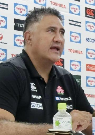 記者会見するラグビー日本代表のジョセフ・ヘッドコーチ=27日、東京都港区