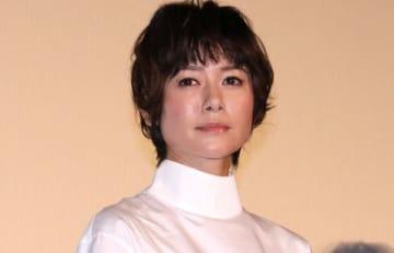 映画「焼肉ドラゴン」の初日舞台あいさつに出席した真木よう子さん