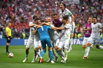 ロシアは自陣で堅固なブロックを敷き、スペインのパスワークを120分間寸断した photo/Getty Images