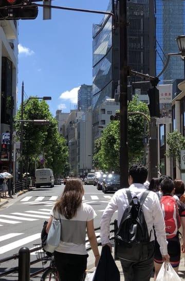 2日(月)正午過ぎ 赤坂駅周辺 撮影 高橋和也