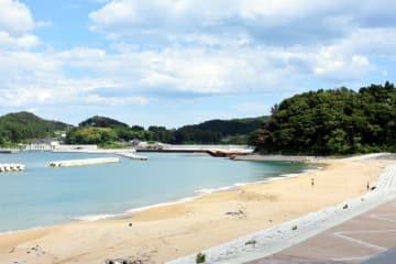 震災後も砂浜が残り、8年ぶりに海開きが行われる大野海岸