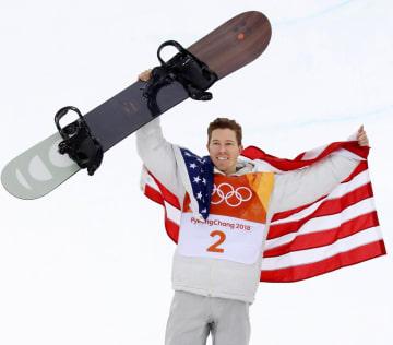 平昌冬季五輪のスノーボード男子ハーフパイプで金メダルを獲得した米国のショーン・ホワイト=2月(共同)