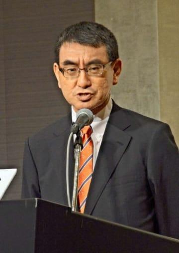 講演で北朝鮮問題について語る河野太郎外相=東京都内