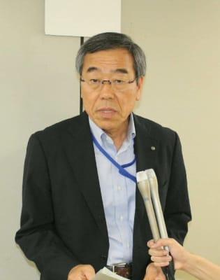 「司法判断に従い、適切に対応していく」と話す工藤利明県教育長=3日、県庁別館