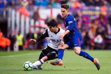 バレンシアでプレイするソレール(左) photo/Getty Images