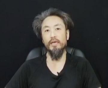 安田純平さんとみられる男性=シリア人男性提供の映像より(共同)