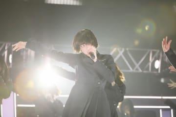 「JUMP MUSIC FESTA」に登場した「欅坂46」の平手友梨奈さん