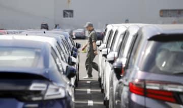 統計:資料:Cars at Japanese port