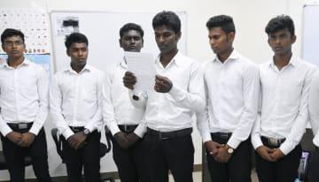 インド・チェンナイに本社があるIT関連会社ニホンテクノロジーの施設で、日本語研修を受ける技能実習生=5月(共同)