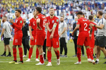 スウェーデン―イングランド 準決勝進出を決め、笑顔を見せるイングランドのケーン(中央)=サマラ(共同)