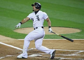White Sox 1B Jose Abreu pursued by Red Sox