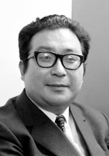 小説「日本沈没」を執筆していたころの小松左京さん(1972年)
