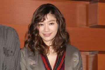 初主演舞台「アンナ・クリスティ」の会見に出席した篠原涼子さん