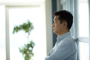 皆さんから寄せられた家計の悩みにお答えする、その名も「マネープランクリニック」。今回の相談者は、早期退職し独立開業を考えている50代の会社員男性。ファイナンシャル・プランナーの深野康彦さんがアドバイスします。