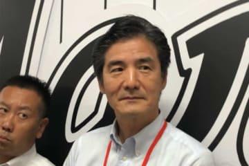 囲み会見を行ったロッテ・山室球団社長【写真:細野能功】