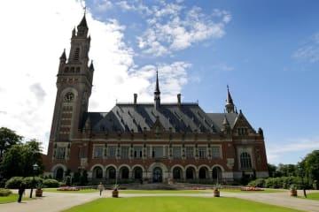国際司法裁判所があるオランダ・ハーグの平和宮(AP=共同)