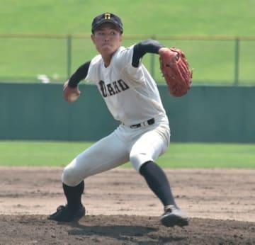 【近大高専―相可 粘りの投球で完投した相可東條=松阪球場で】