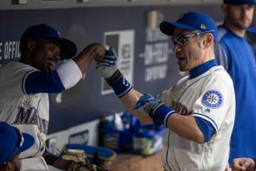 マリナーズ・イチロー(右)とゴードン【写真:Getty Images】