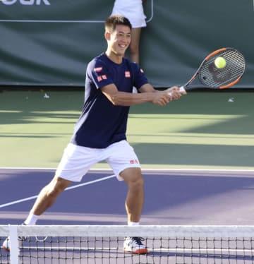 慈善イベントに参加した男子テニスの錦織圭=21日、米ニューポートビーチ(共同)