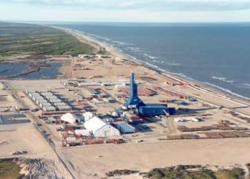 極東サハリン沖の資源開発事業「サハリン1」の陸上掘削基地(エクソンネフテガス提供・共同)