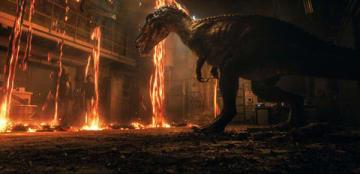 映画「ジュラシック・ワールド/炎の王国」の一場面 (C)Universal Pictures