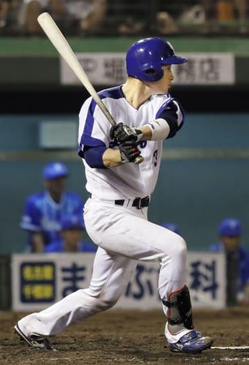 3回中日1死二、三塁、松井雅が中前に2点打を放つ=浜松
