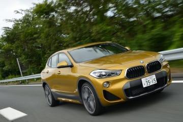 BMW 新型X2 xDrive20i M Sport X ボディカラー:ガルバニック・ゴールド(オプション)│シートマテリアル&カラー:マイクロ・ヘキサゴン・クロス/アルカンターラ・コンビネーション(イエロー・コントラスト・ステッチ付き)