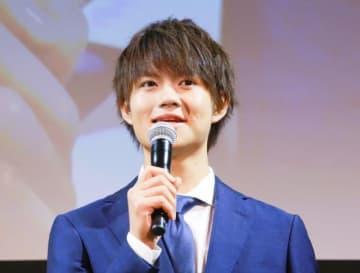 初主演映画『青夏』をアピールした佐野勇斗