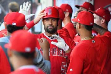 歴代単独6位となる631本塁打目を放ったエンゼルスのアルバート・プホルス【写真:Getty Images】