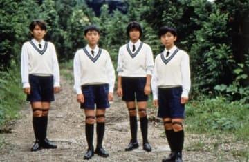 映画『1999年の夏休み』より。左から2番目が深津絵里 - (C)1988 日活/アニプレックス