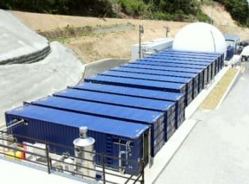 運用開始した宇佐バイオガス発電所。焼酎かすを燃料とし、再生可能エネルギーとして期待される=27日、宇佐市日足