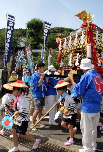 神仏習合の伝統が残る川棚町の祇園祭(2016年7月)