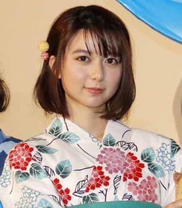 劇場版アニメ「未来のミライ」の初日舞台あいさつに登場した上白石萌歌さん