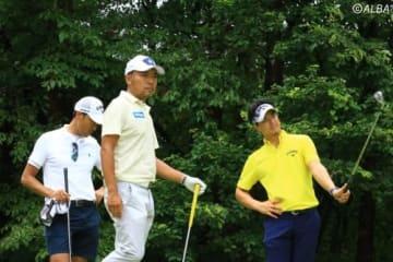 石川遼(右)とプロアマ戦を回った片山晋呉(撮影:ALBA)